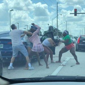 4-women-involved-road-rage-fight-wp.jpg